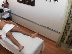 Dude really likes the way massage acquires mixed with fuck
